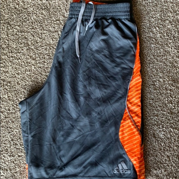adidas Other - Men's Adidas basketball athletic shorts size XL